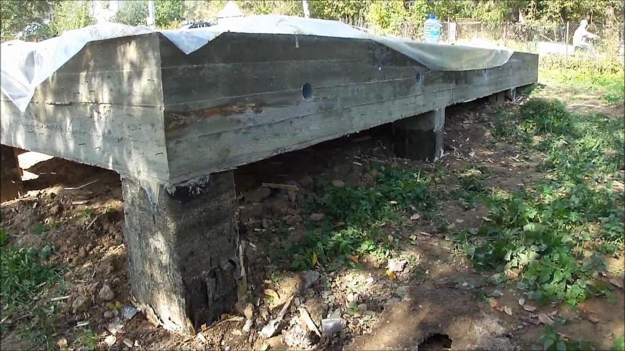 Типичный свайно-плитный фундамент.