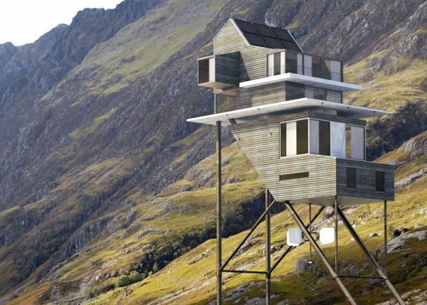 Необычное здание на свайном фундаменте с неравномерным распределением нагрузки.