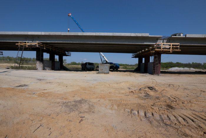 Промышленное использование безростверковых опор при строительстве моста.